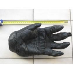 Reproduction d'une main de Gorille Africain